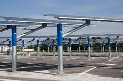 Énergie renouvelable : panneaux solaires Photo libre de droits