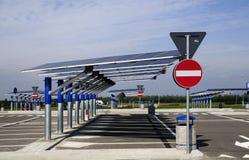 Énergie renouvelable : panneaux solaires Images libres de droits
