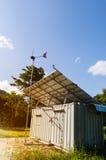 Énergie solaire et générateur de turbine de vent Concept vert d'énergie Images stock
