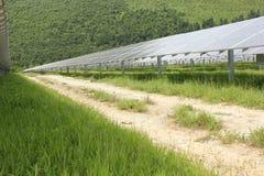 Énergie solaire, panneaux solaires, énergies renouvelables Image stock