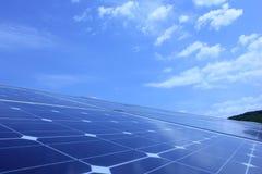 Énergie solaire, panneaux solaires, énergies renouvelables Photo libre de droits