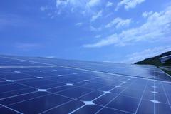 Énergie solaire, panneaux solaires, énergies renouvelables Photo stock