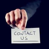 Éntrenos en contacto con tarjeta Fotografía de archivo libre de regalías