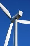 Éolien sur le ciel bleu en France Photographie stock