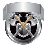 Épées et écran protecteur argentés dans la crête argentée Photos stock