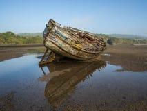 Épave de bateau d'estuaire de Dulas Photographie stock