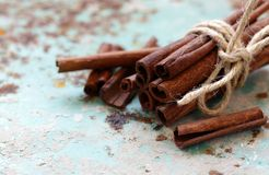 Épice aromatique de cannelle photographie stock libre de droits