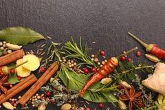 Épice et aromatique mélangés photos stock