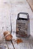 Épice moulue de noix de muscade images libres de droits