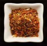 Épice pour le pilaf dans une cuvette en céramique. Photographie stock