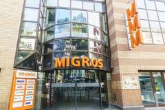 Épicerie de Suisse de Migros Photos libres de droits