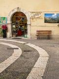 Épicerie traditionnelle en Italie Photographie stock libre de droits