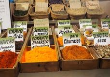 Épices à vendre au marché dans Tavira Portugal Photos libres de droits