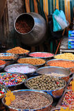 Épices à vendre sur le marché du centre d'Amman en Jordanie Images stock