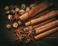 Épices aromatiques images stock