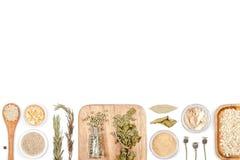Épices et herbes sur le fond blanc Vue supérieure Photo libre de droits
