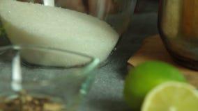 Épices et ingrédients pour la mousse de cocolate avec la gelée orange banque de vidéos