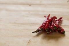 Épices - poivre de piments d'un rouge ardent sec de piments Images stock