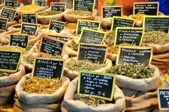 Épices sur un marché italien Photo stock