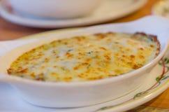 Épinards cuits au four avec du fromage Photos libres de droits
