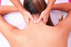 Épine cervicale de thérapie manuelle cervicale de mobilisation photographie stock libre de droits