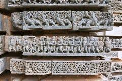 Épisode de Ramayana Rama, Sita et Laxmana retournant de Lanka Temple de Kedareshwara, Halebidu, Karnataka Photo stock