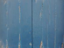 Épluchage des portes bleues Images libres de droits