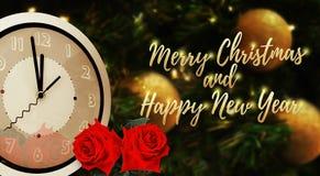 Época de medianoche de la fuente de oro de la Feliz Navidad y de la Feliz Año Nuevo Imagen de archivo