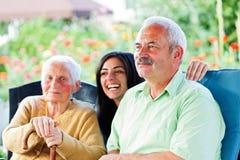 Épocas felizes no lar de idosos Foto de Stock Royalty Free