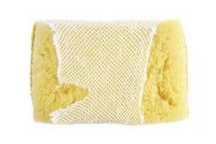 Éponge, vieux lavage d'éponge, éponge de lavage de plat, nettoyage jaune absorbant d'éponges d'isolement sur le fond blanc Photographie stock libre de droits