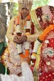 épousant dans Rishikesh, novembre 2015 l'Inde image stock