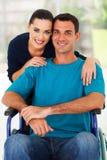 Mari handicapé par épouse Photographie stock libre de droits
