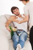 Épouse combattant avec l'alcoolisme Photographie stock libre de droits