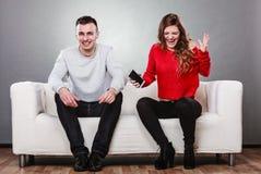 Épouse criant au mari Homme de fraude trahison Images libres de droits