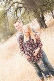 Épouse enceinte heureuse avec le mari Photo stock