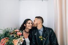 Épouser dans le style de la roche Mariage de balancier ou de cycliste Photo libre de droits