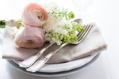 Épouser l'arrangement élégant de table de salle à manger Photographie stock