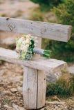 Épouser le bouquet nuptiale de Lisianthus et d'argent de cinéraire sur Image stock