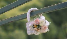 Épouser le cadenas, le symbole de l'amour éternel et la fidélité Photographie stock