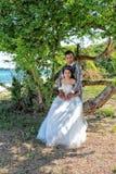 Épouser pré les couples thaïlandais de photographie chez Koh Si Chang Island Image stock