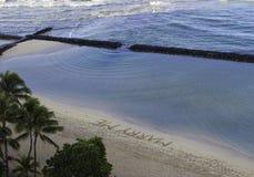 épousez-moi écrit sur le sable Photographie stock libre de droits