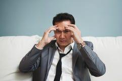 Épuisé, maladie, fatigué, soumise à une contrainte des concepts surchargés Bu Photo stock