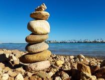 Équilibrage de roche photo libre de droits