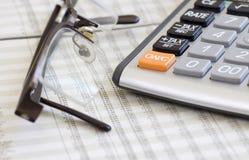 Équilibrage des comptes. Calculatrice, glaces image stock