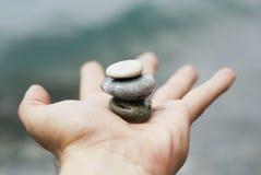 Équilibre à disposition Photo stock