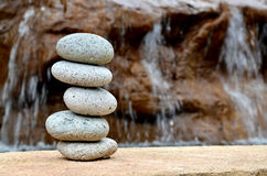 Équilibre dans la fontaine Images libres de droits