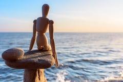 Équilibre sur le bord Images libres de droits