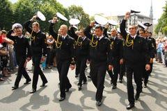 Équipage de défilé du bateau à Riga Photographie stock libre de droits