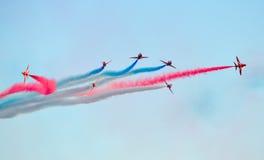 Équipe aérienne d'affichage de flèches rouges Photographie stock libre de droits