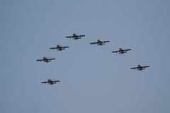 Équipe acrobatique aérienne d'Al Fursan avec les avions d'Aermacchi MB-339 Photos libres de droits